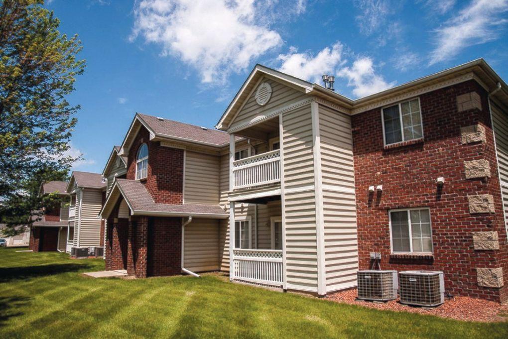 Crown Pointe Apartments West Des Moines