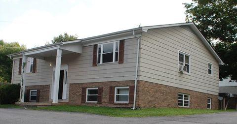 Photo of 107 Carolina Ave Apt D, Tazewell, VA 24651