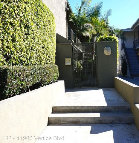 Photo of 11900 Venice Blvd, Los Angeles, CA 90066