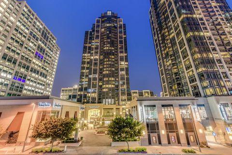 Photo of 688 110th Ave Ne, Bellevue, WA 98004