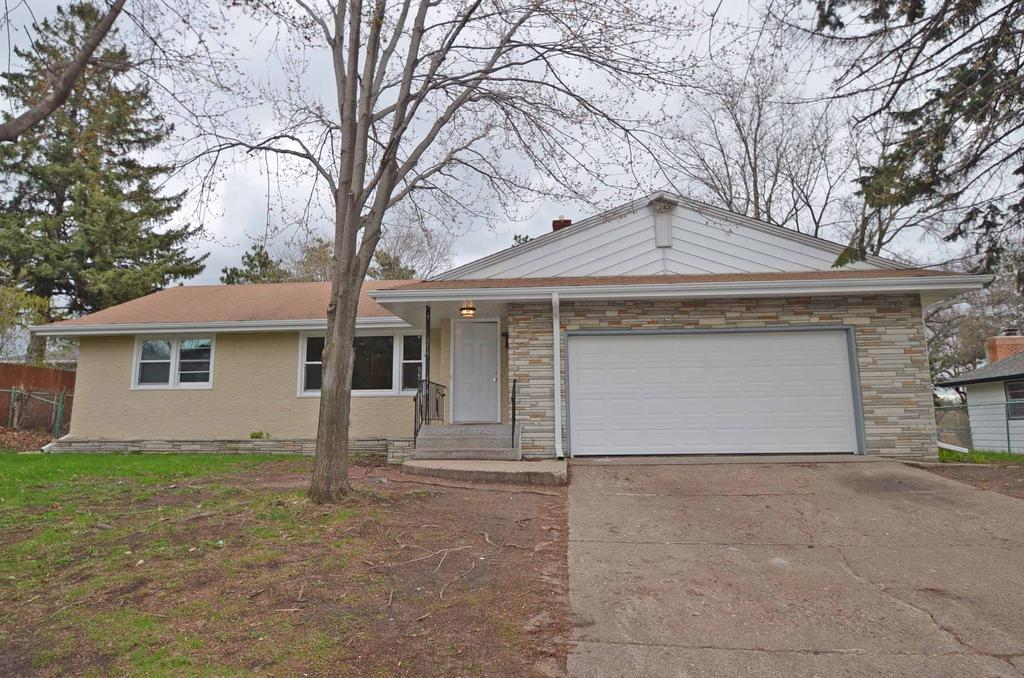 557 2nd Ave Nw, Saint Paul, MN 55112