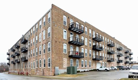 720 Marquette St, Racine, WI 53404