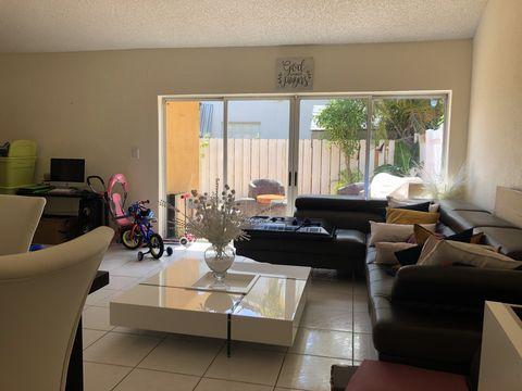 Photo of 15234 Nw 87th Ct, Miami Lakes, FL 33018