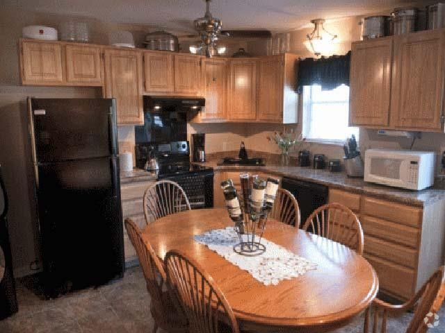 211 Harvestview N, Mount Joy, PA 17552