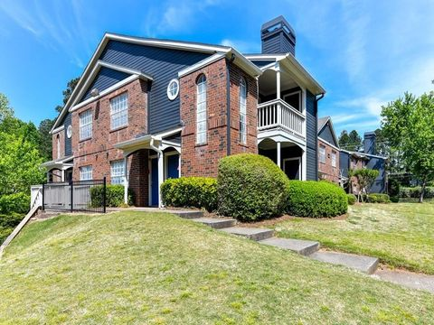 905 Lake Union Hill Way, Alpharetta, GA 30004