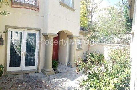 22165 W Lyndon Loop, Castro Valley, CA 94552