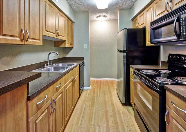 Autumnwood Apartment Homes