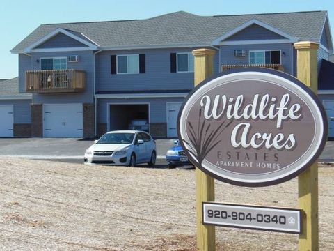 Photo of 1422-1428 Cattail Ln, Fond du Lac, WI 54937