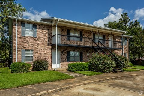 Photo of 5900 Orleans Sq, Alexandria, LA 71303