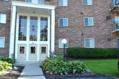 Photo of 355 Solon Rd Apt 303, Chagrin Falls, OH 44022