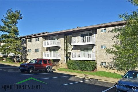 1108 Kennebec St, Oxon Hill, MD 20745