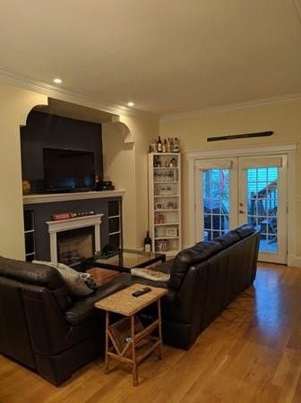 Awesome 58 L St # 1, Boston, MA 02127