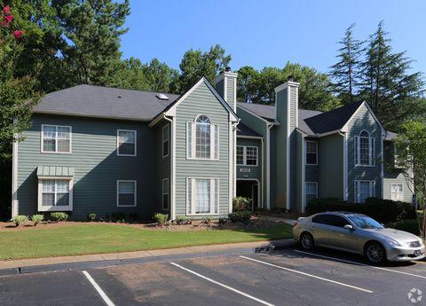 401 Huntington Dr, Roswell, GA 30076