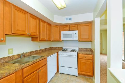 1927 Queenswood Dr  York  PA 17403. York  PA Apartments for Rent   realtor com