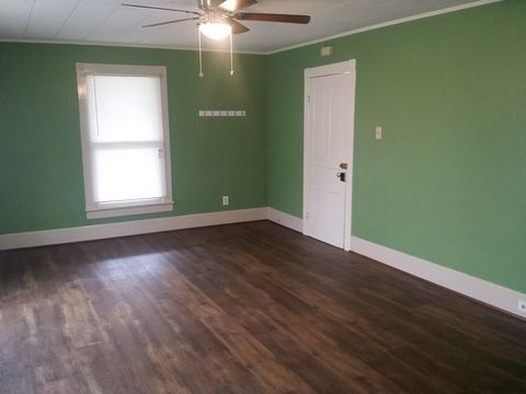 Photo of 131 1st Ave N Apt A, Conover, NC 28613