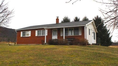 Photo of 136 Seiwell Ln, Bloomsburg, PA 17815