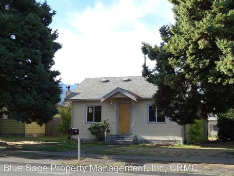 426 E Fifth St, Port Angeles, WA 98362