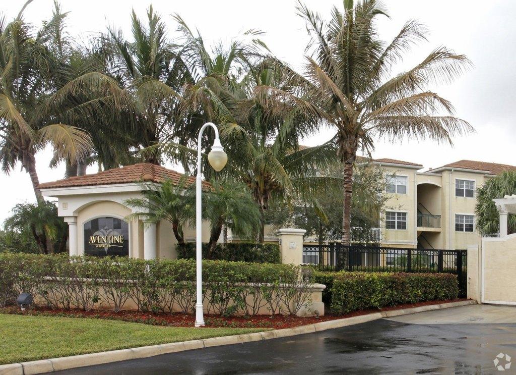 1575 Sw 8th St, Boynton Beach, FL 33426