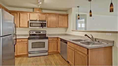 1311 N 175th St, Shoreline, WA 98133. Apartment For Rent