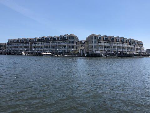 Photo of 5 Chelsea Ct, Atlantic City, NJ 08401