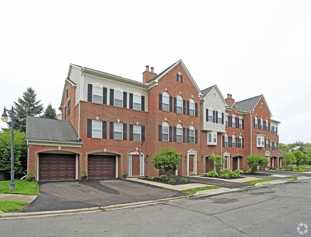 Mainstreet Apartments: 25300 Constitution, Novi, MI 48375