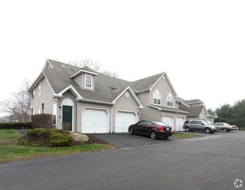 Photo of 1 Birch Cir, Colchester, CT 06415