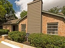 2301 Broadmoor Dr, Bryan, TX 77802