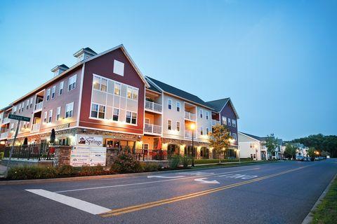 9 Hampstead Pl, Saratoga Springs, NY 12866