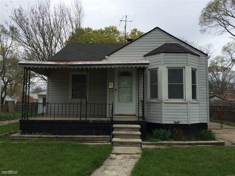 18923 Elkhart St, Harper Woods, MI 48225