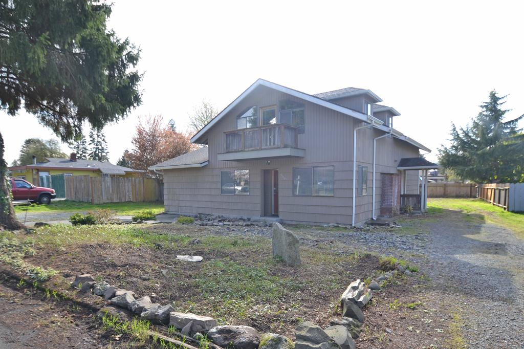 31349 13th Ave S, Federal Way, WA 98003