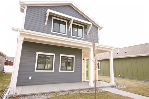Photo of 1640 Island View Dr, Billings, MT 59101