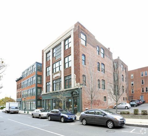 38 Crown St  New Haven  CT 06510200 College St  New Haven  CT 06510   realtor com . Monthly Apartment Rentals New Haven Ct. Home Design Ideas