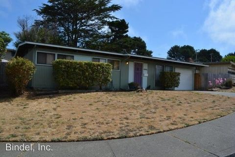 3361 Cottage St, Eureka, CA 95503