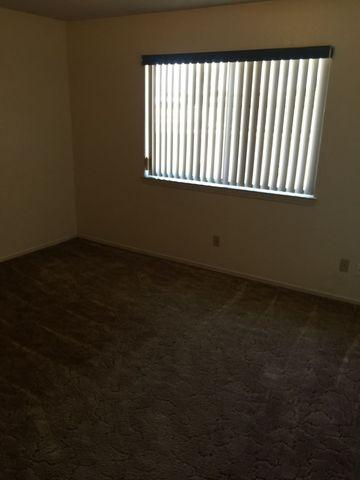 Photo of 117 E Mescalero Rd, Roswell, NM 88201
