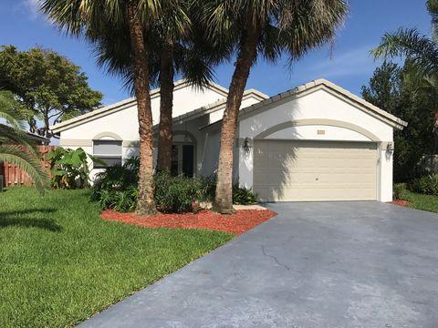 215 Nw 40th Ave, Delray Beach, FL 33445