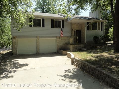 507 W 9th St, Chapman, KS 67431