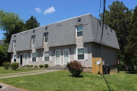 Photo of 2002 Belle Terra Rd Apt A, Knoxville, TN 37923
