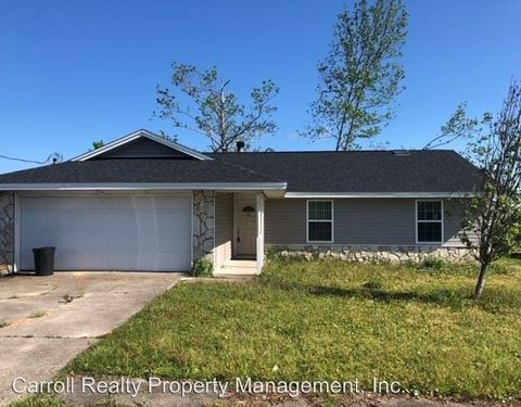 Photo of 905 E Pine Forest Dr, Lynn Haven, FL 32444