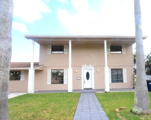 Photo of 17701 Sw 111th Ave, Miami, FL 33157