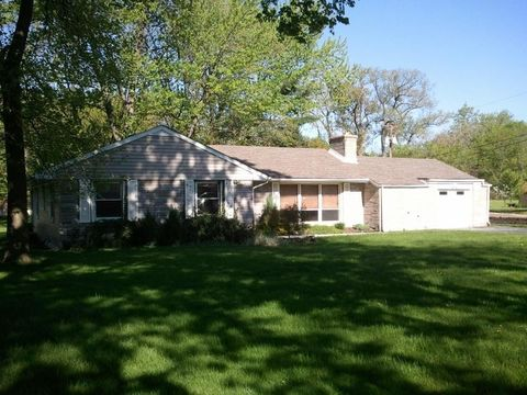 2446 Forest Park Dr, Dyer, IN 46311