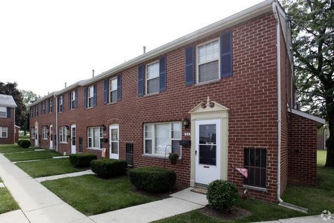 Photo of 2 Clearview Ct, Hanover, PA 17331