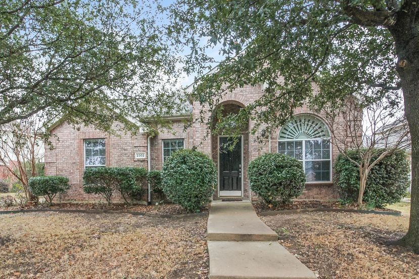2302 Galway Dr, Mansfield, TX 76063