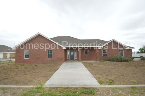 1586 S Avenue I, Portales, NM 88130