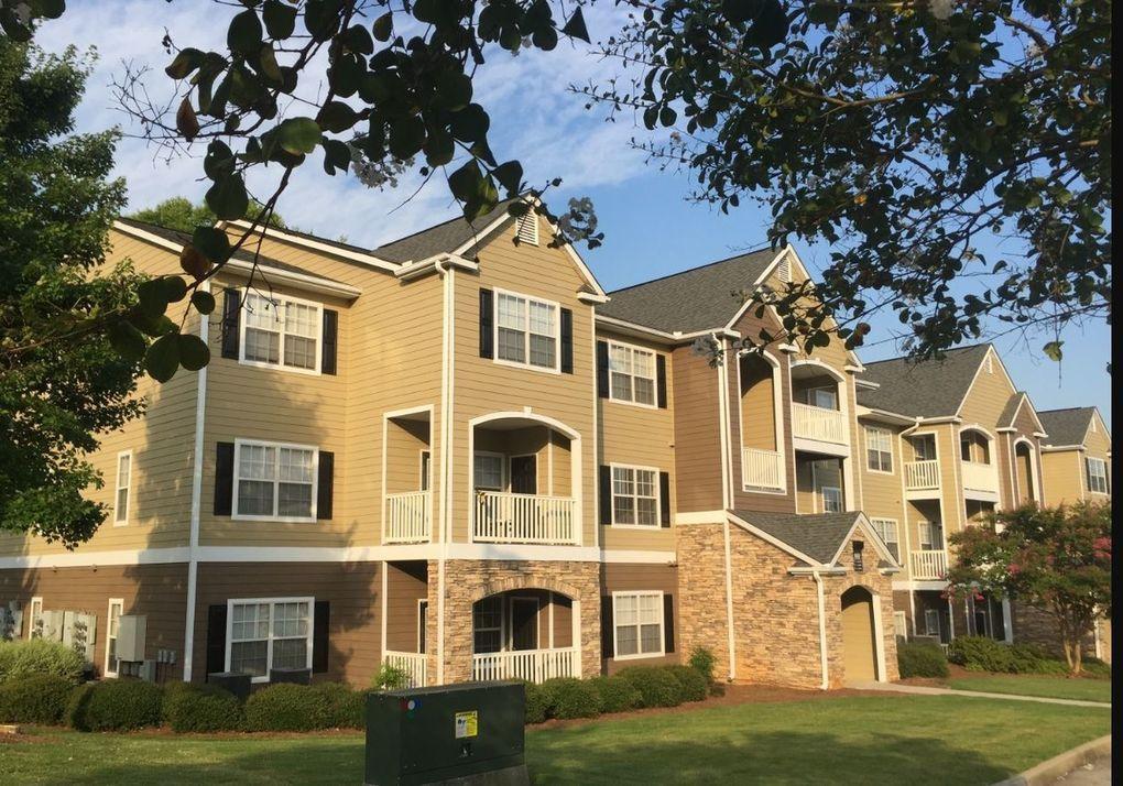 6500 Walden Run Cir, Huntsville, AL 35806