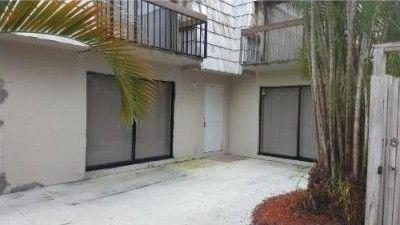 4019 Palm Bay Cir, West Palm Beach, FL 33406