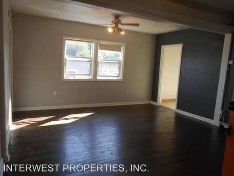 Photo of 7881 Sw Capitol Hwy, Portland, OR 97219