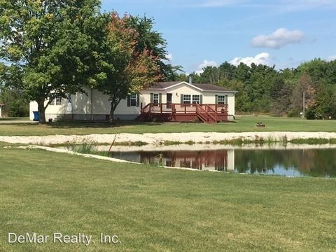 6626 Bedell Rd, Berlin Center, OH 44401
