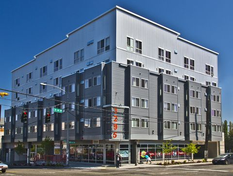 Photo of 3295 Sw Avalon Way, Seattle, WA 98126