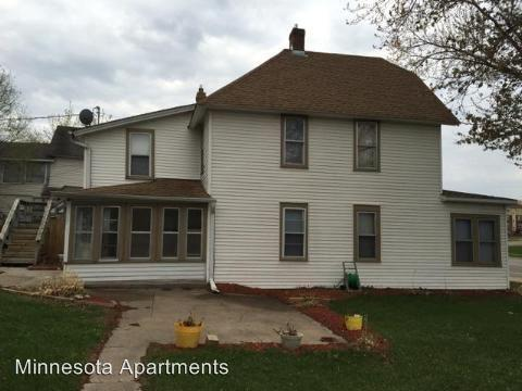 669 Old Highway 8 Nw, New Brighton, MN 55112