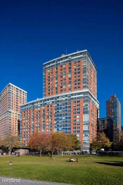 21 Riverside Blvd # C18, New York, NY 10069